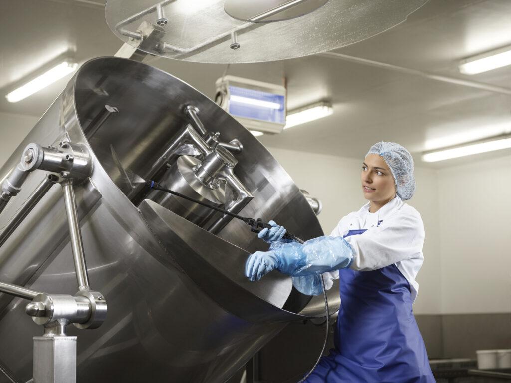 Industriële reiniging in de voedingssector, een van de vele specialiteiten van Cleaning Masters.