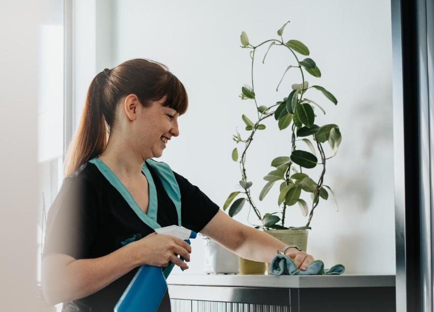 Schoonmaak in bedrijven en kantoren, een van de vele specialiteiten van Cleaning Masters.
