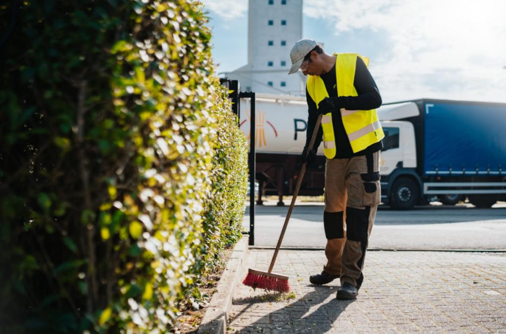 Parking onderhoud: Green Masters verwijdert het zwerfvuil op uw parking