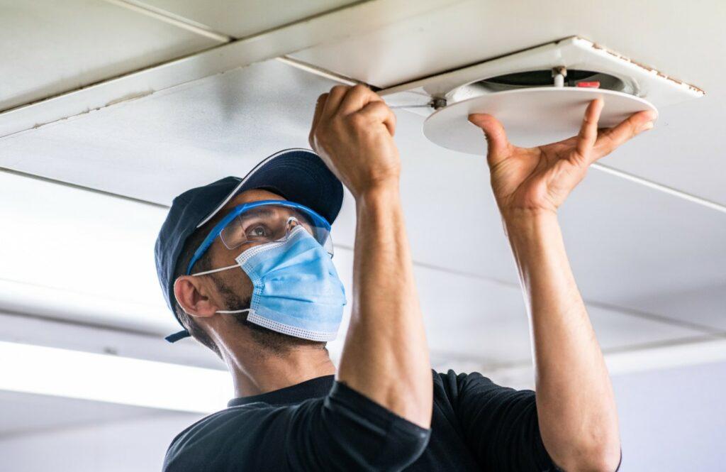De HVAC techniekers en de onderhoudstechniekers van Maintenance Masters verzorgen het onderhoud van uw technische installaties.
