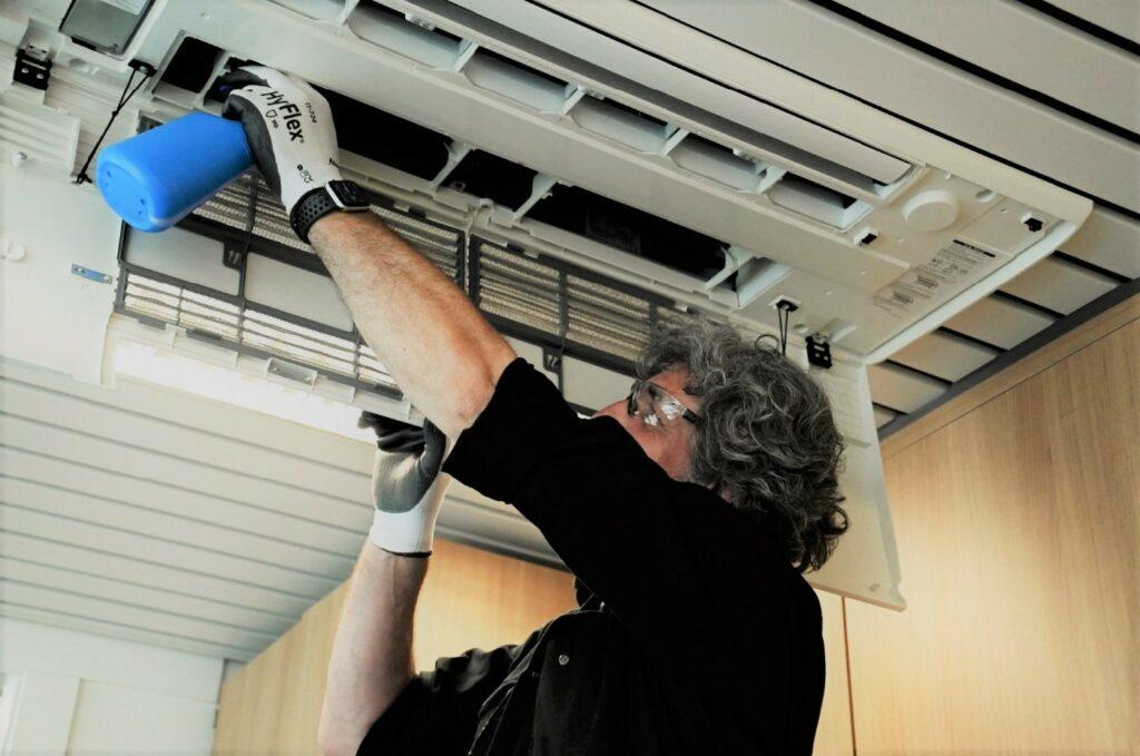 Voor de optimale werking van uw airco of ventilatie is een regelmatig onderhoud heel belangrijk.
